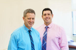 Dr. Stephen McNeil an Dr. John Roe